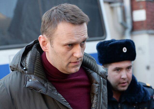 Политик Алексей Навальный перед заседанием Тверского суда Москвы