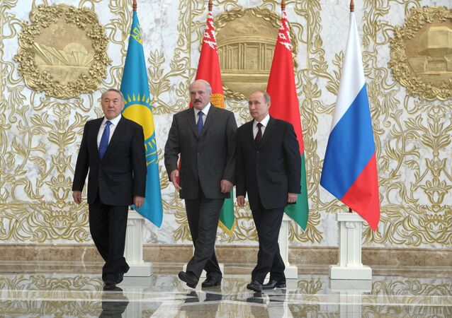 Vladimir Putin visits Belarus to attend EAEU meeting