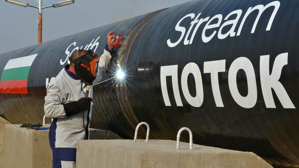 Russian President Vladimir Putin's announcement of the cancellation of the South Stream natural gas pipeline to eastern Europe is a source of short-term leverage in Russia's dealings with Europe - Sputnik International