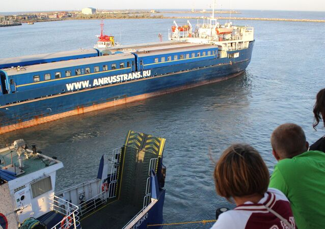 Simferopol-to-Moscow train at Kerch ferry crossing