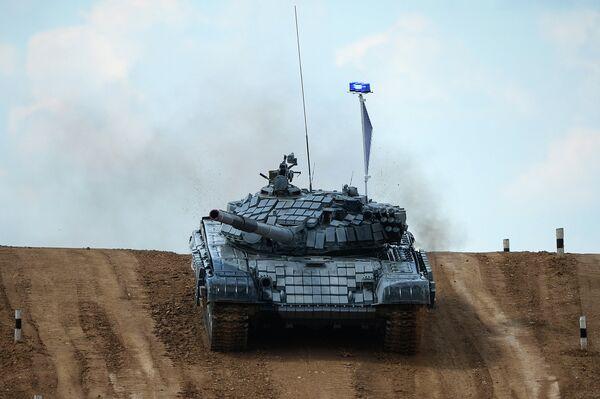 T-72 Battle Tank During 2014 Tank Biathlon World Championship - Sputnik International