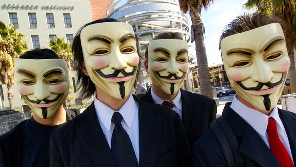 Members of the group Anonymous wearing the mask in Los Angeles, 2008 - Sputnik International