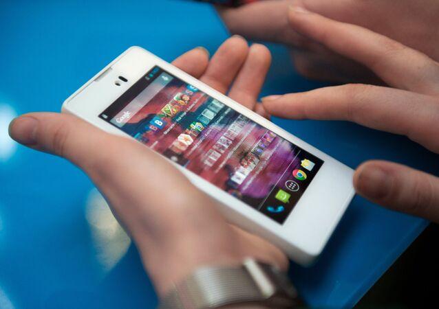 Старт продаж Yota Phone в Москве
