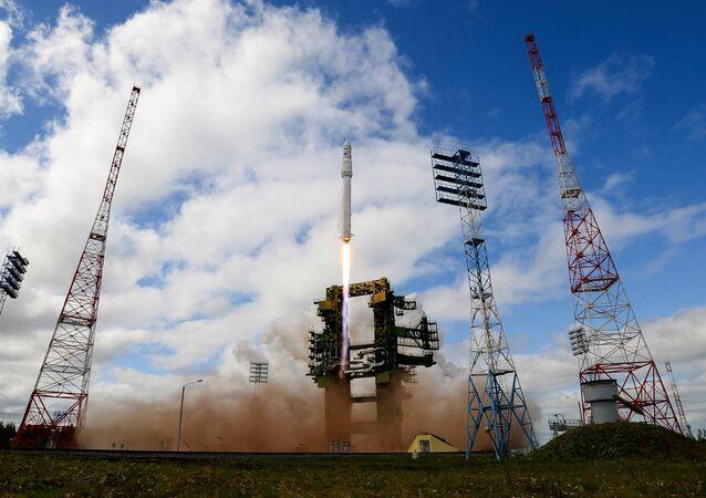 Angara missile launch