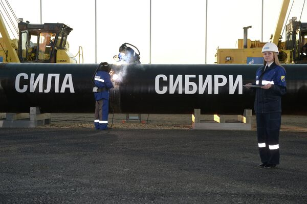 The Chinese government has approved China National Petroleum Corporation's (CNPC) plan to construct part of the Power of Siberia pipeline that will deliver gas from Russia to China. - Sputnik International