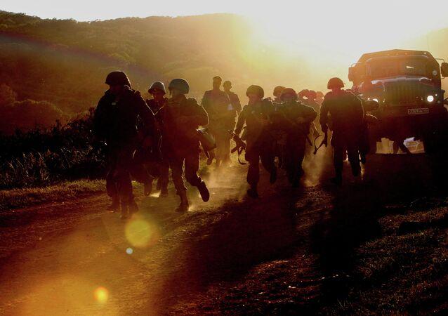 Военнослужащие бригады морской пехоты Тихоокеанского флота