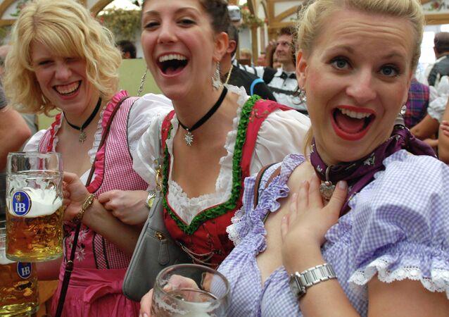Традиционный пивной праздник Октоберфест в Мюнхене