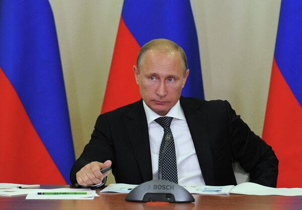 Russian President Vladimir Putin on Wednesday said that certain countries are using their dominant role in cyberspace to reach their own economic and political goals. - Sputnik International