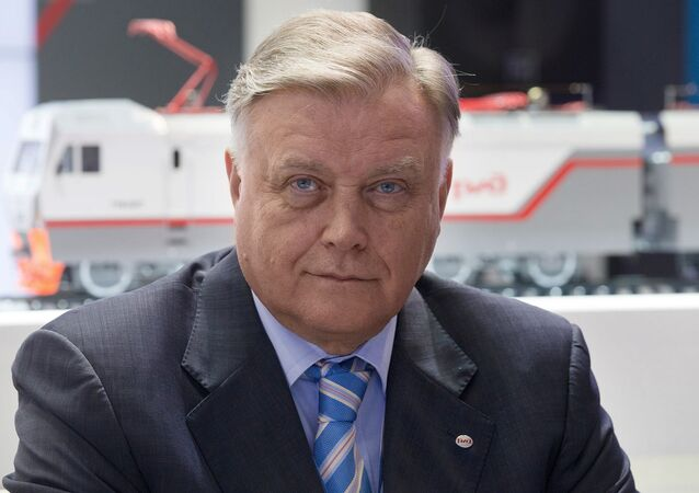 In his interview for Germany's Die Welt and the Russian edition of Forbes published Sunday, Russian Railways President Vladimir Yakunin argued that it's time for politicians to stop dictating to business, stating that only Washington benefits from the Moscow-Berlin divide.