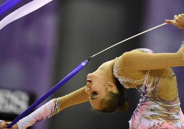 Маргарита Мамун (Россия) выполняет упражнения с лентой. Художественная гимнастика. ЧМ-2014. Пятый день
