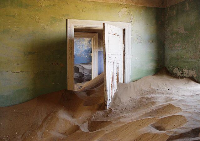 Kolmanskop ghost town, Namibia.