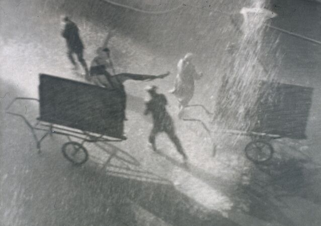 Юрий Еремин Солнечный дождь. 1926-1928 Серебряно-желатиновый отпечаток