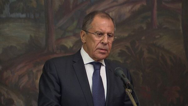 Будем добиваться наказания виновных – Лавров о захоронениях в Донбассе - Sputnik International